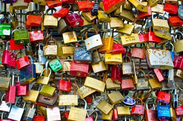 Lovelocks in Cologne by zippy123