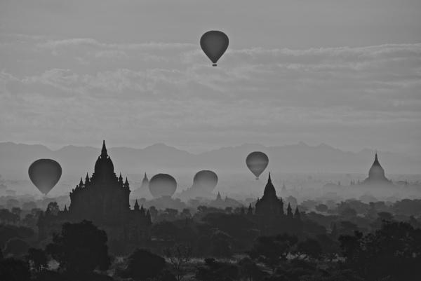 Bagan ballooning by Myed