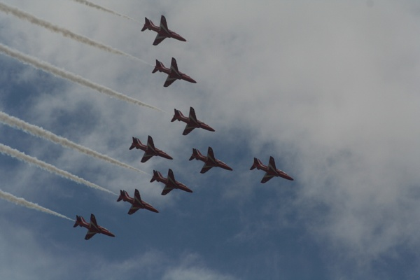 The Red Arrows by lizziphotos