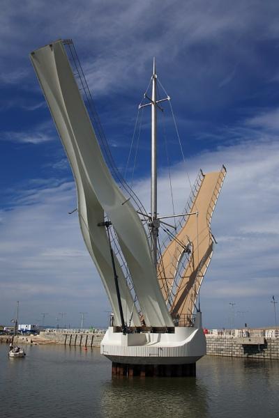 Pont y Ddaig bridge by Chriscr
