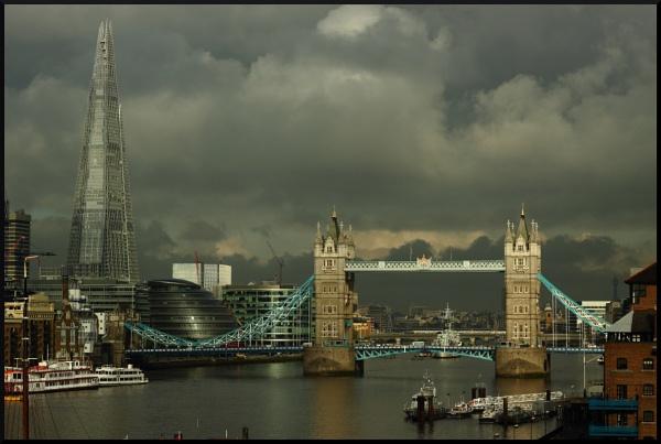 Tower bridge by BillyBunter