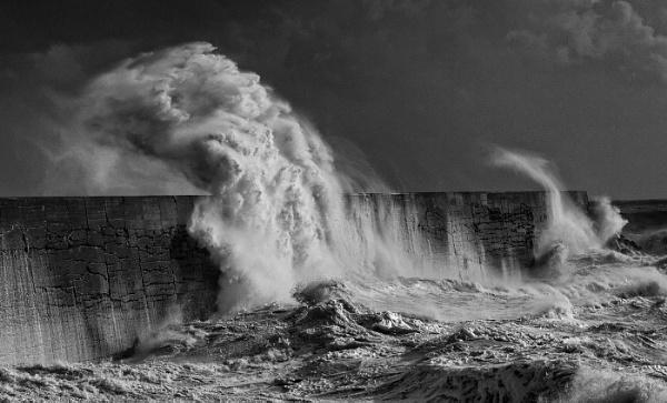 Rough Sea by pablo69