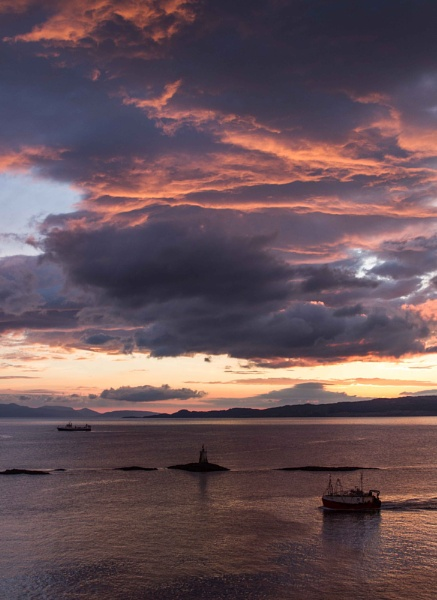 Mallaig Lighthouse by Ashley102