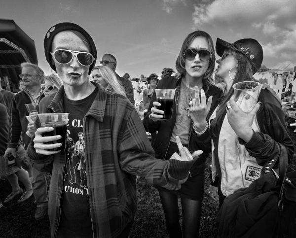 Festival 3 by rob2