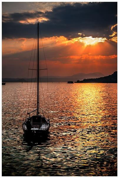 Late Garda Sunset by braddy