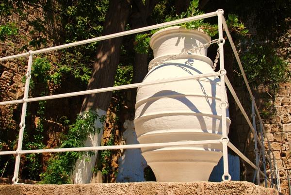 White pots! by Chinga