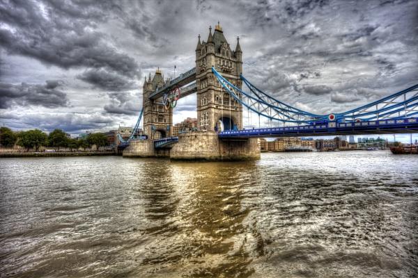 Tower Bridge - London by bobbinio