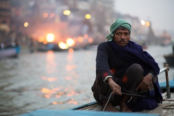 Manikarnika Ghat, Varanasi by SamGillespie