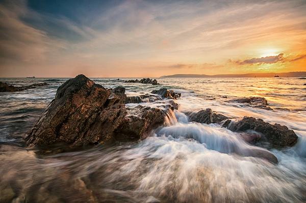 Rising Tide by ilocke