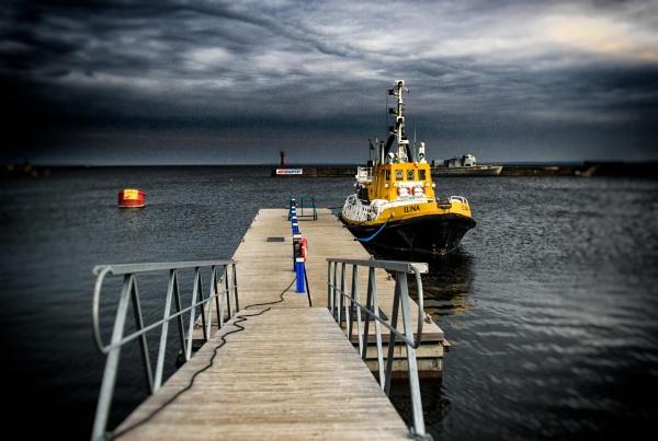 Tallinn Docks by jason_e