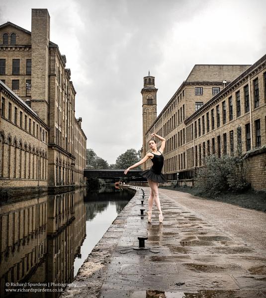 Urban Dancer by Richsr
