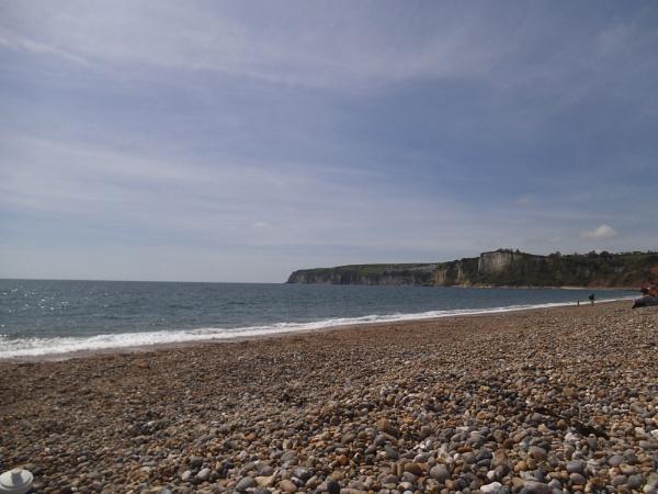 Oh, I do like to be beside the sea side by Tash_hares