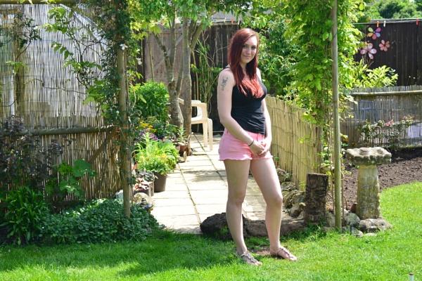 Summer Pose by eddie1