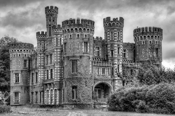 Chateau de la Foret by MartinBrown