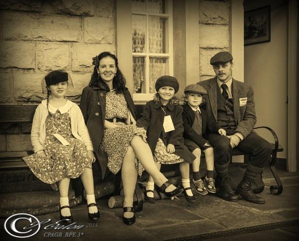A 40s family by retec