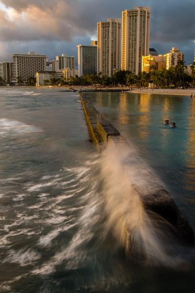 Waikiki Beach break water - Hawaii by david1810