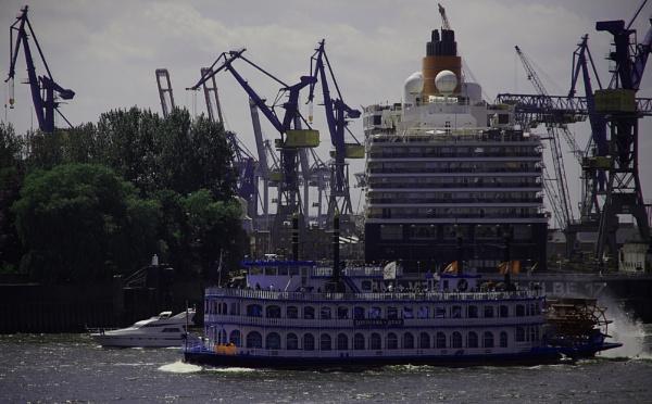 three hulls by estonian