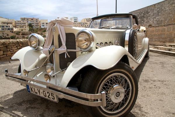 The Wedding Car by martin174