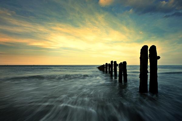 beach groynes by kenwil