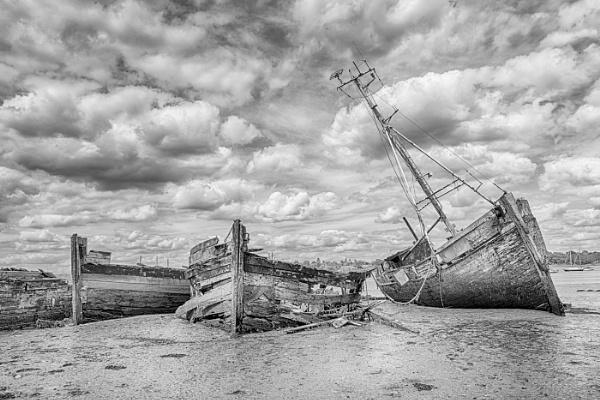 Old Boats at Pin Mill by jumbozine