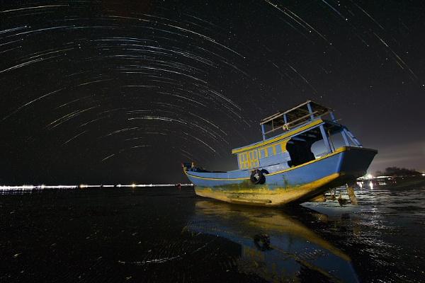 Falling stars by thaiph
