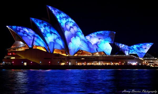 Sydney Opera House by AttractiveNerd