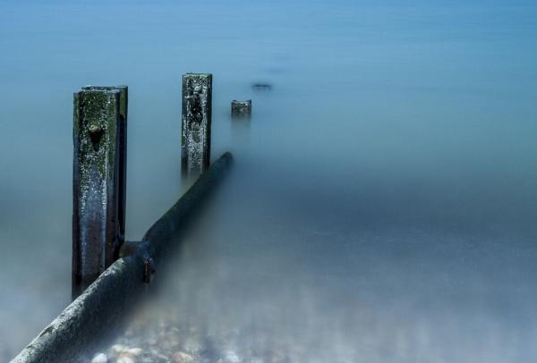 Pillars in the mist by rhys47