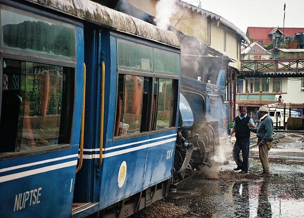 Ghum Station - Darjeeling Himalayan Railway by jasonrwl