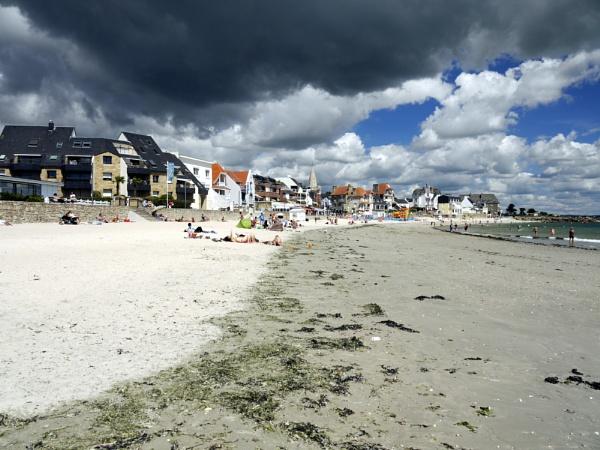Larmor Plage, Brittany. by erichoulder