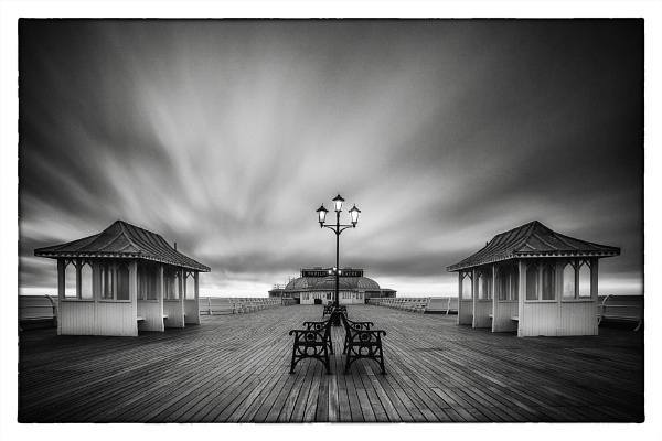 Cromr Pier, Norfolk by DaveTurner