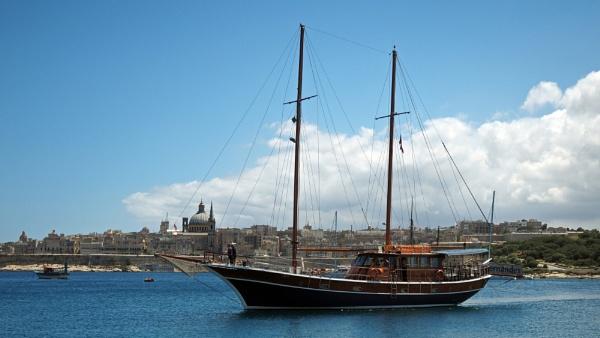 Fernandes - Valletta, Malta by Barr1e