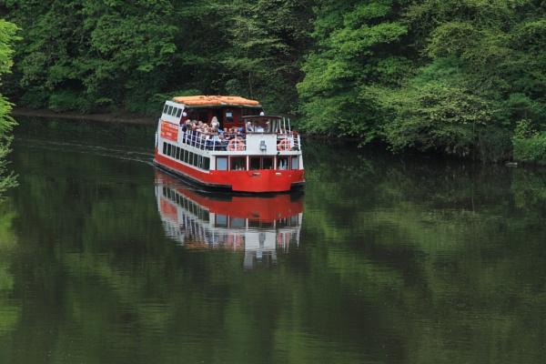Pleasure boat by bobsblues