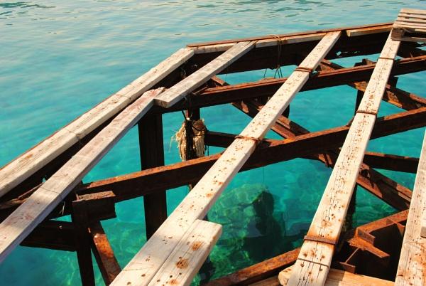 Sea corrosion... by Chinga