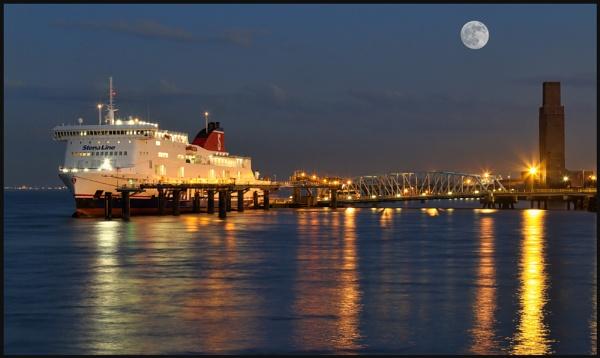 Belfast Ferry - Birkenhead by RonW1123