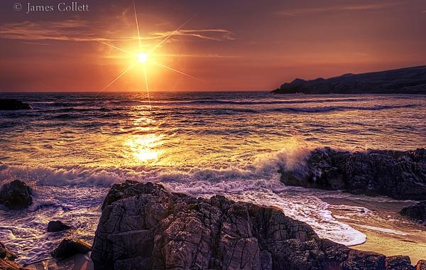 Setting Sun at Lossit Bay, Islay by jcollett