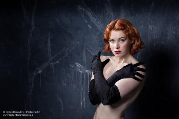 Black gloves by Richsr
