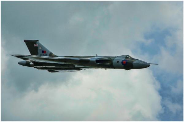 Avro Vulcan Bomber by malleader