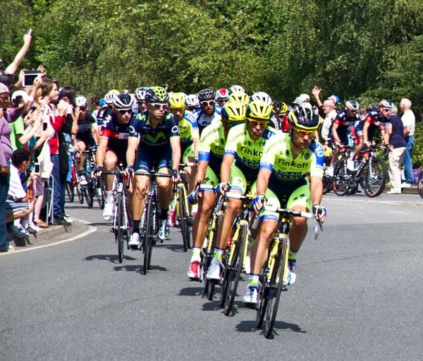 The  peloton arrives by rambler