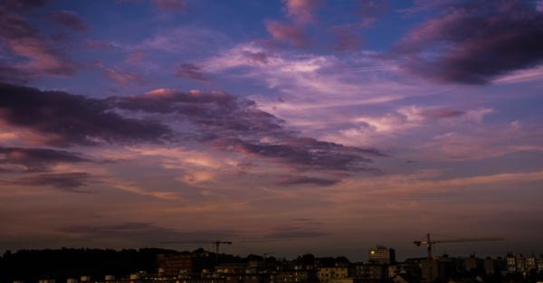 Cloudy sunset by Gllss