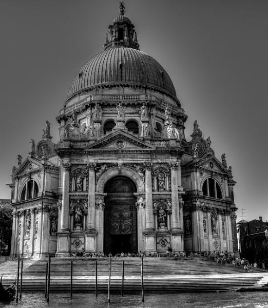 Basilica di Santa Maria della Salute, Venice by ubaruch