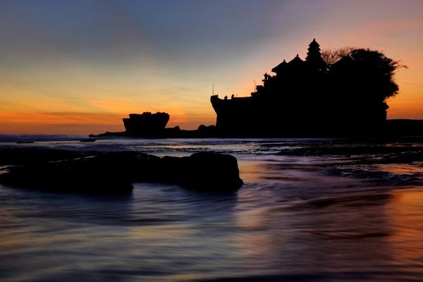 Tanah Lot, Bali by stevewlb