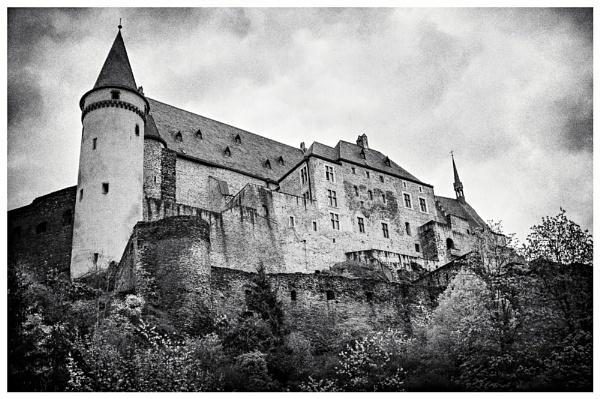 Vianden Castle by Clactonian