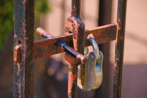It\'s locked! ): by Chinga