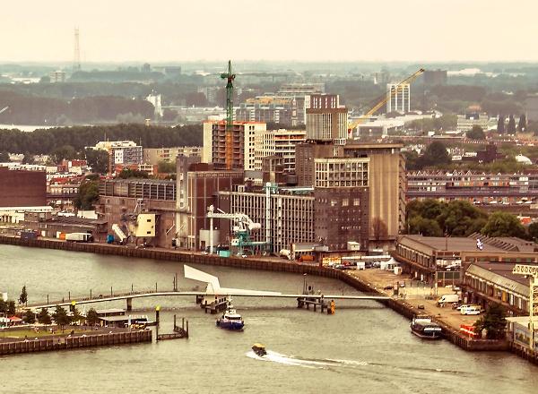 Toen wij uit Rotterdam vertrokken (when we left Rotterdam) by kuipje