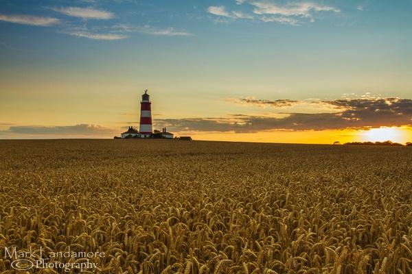 Happisburgh Lighthouse at Sunset by mlanda