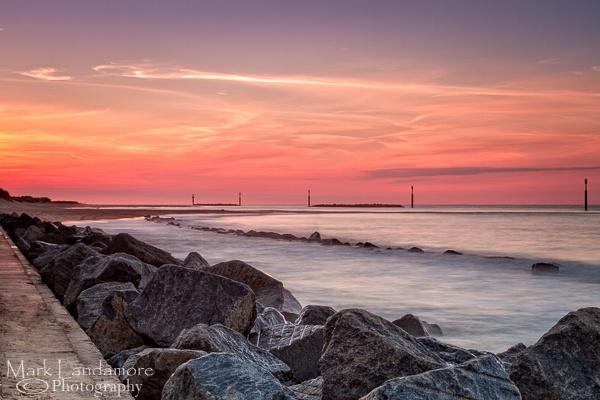 Sea Palling at sunset by mlanda