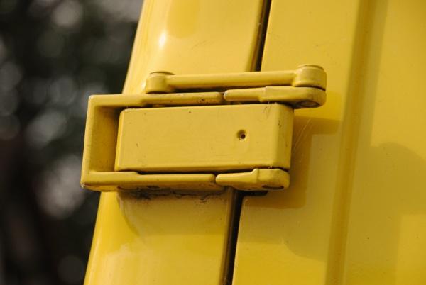 Yellow Monday! by Chinga