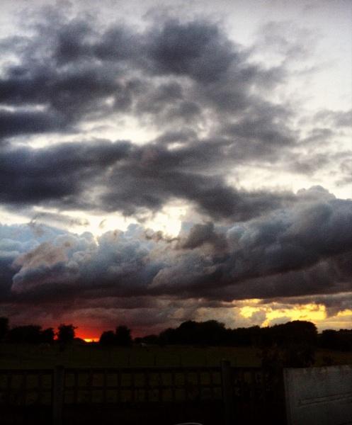 Stormy Sunset by ChunkyButFunky