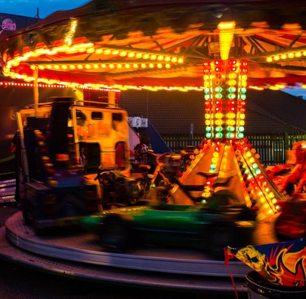 Fairground ride by Gillken
