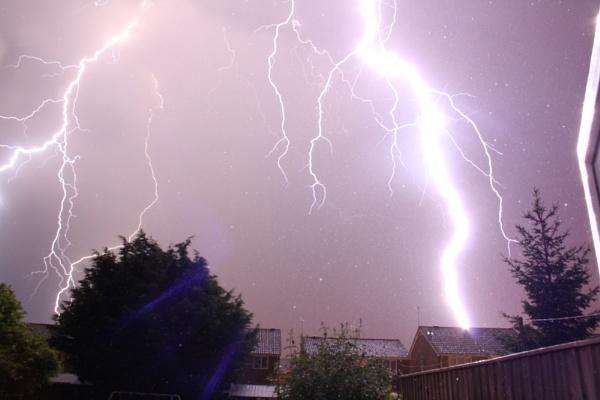 Lightning Strike by mr_dave